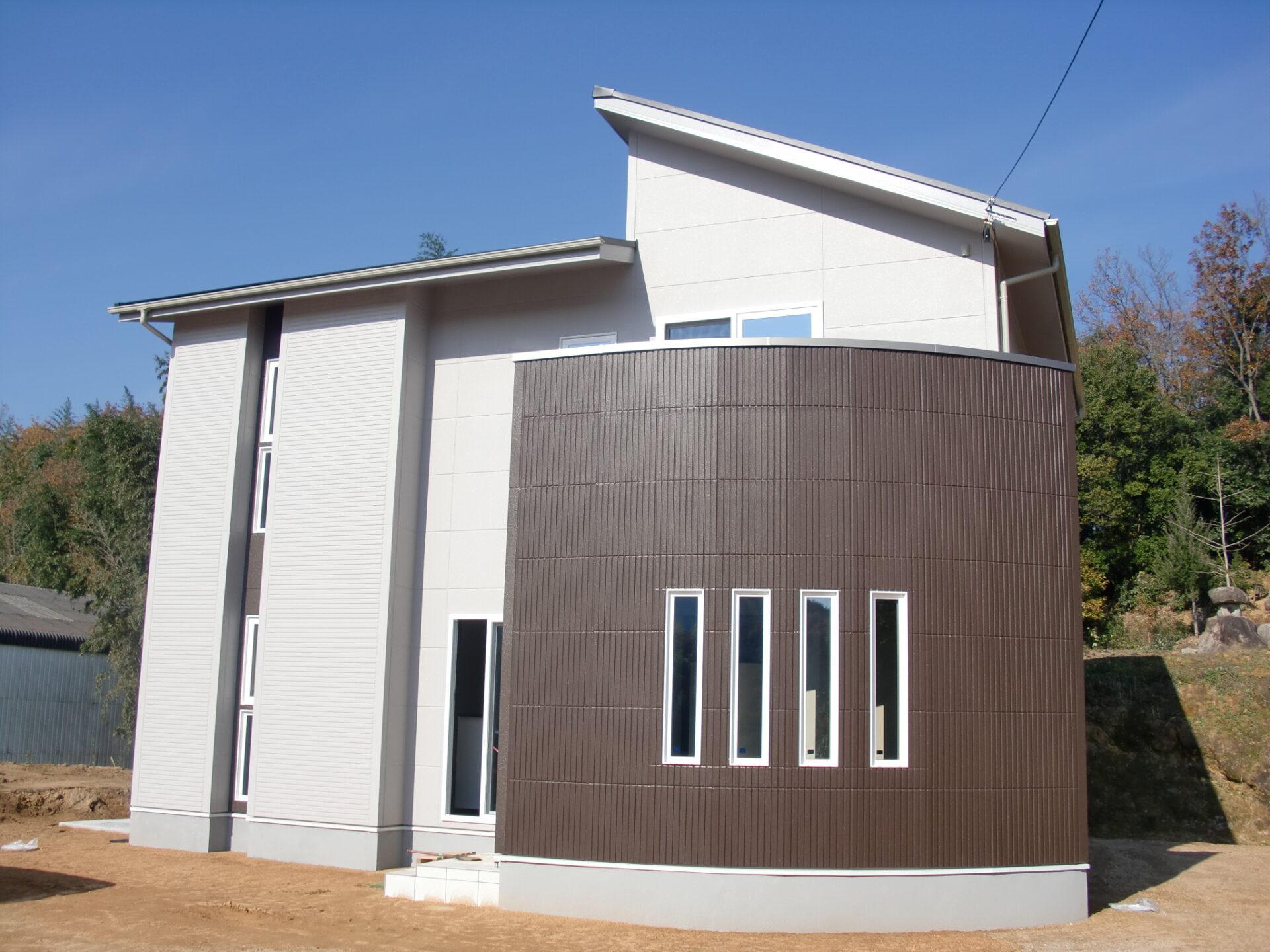 R曲線の家